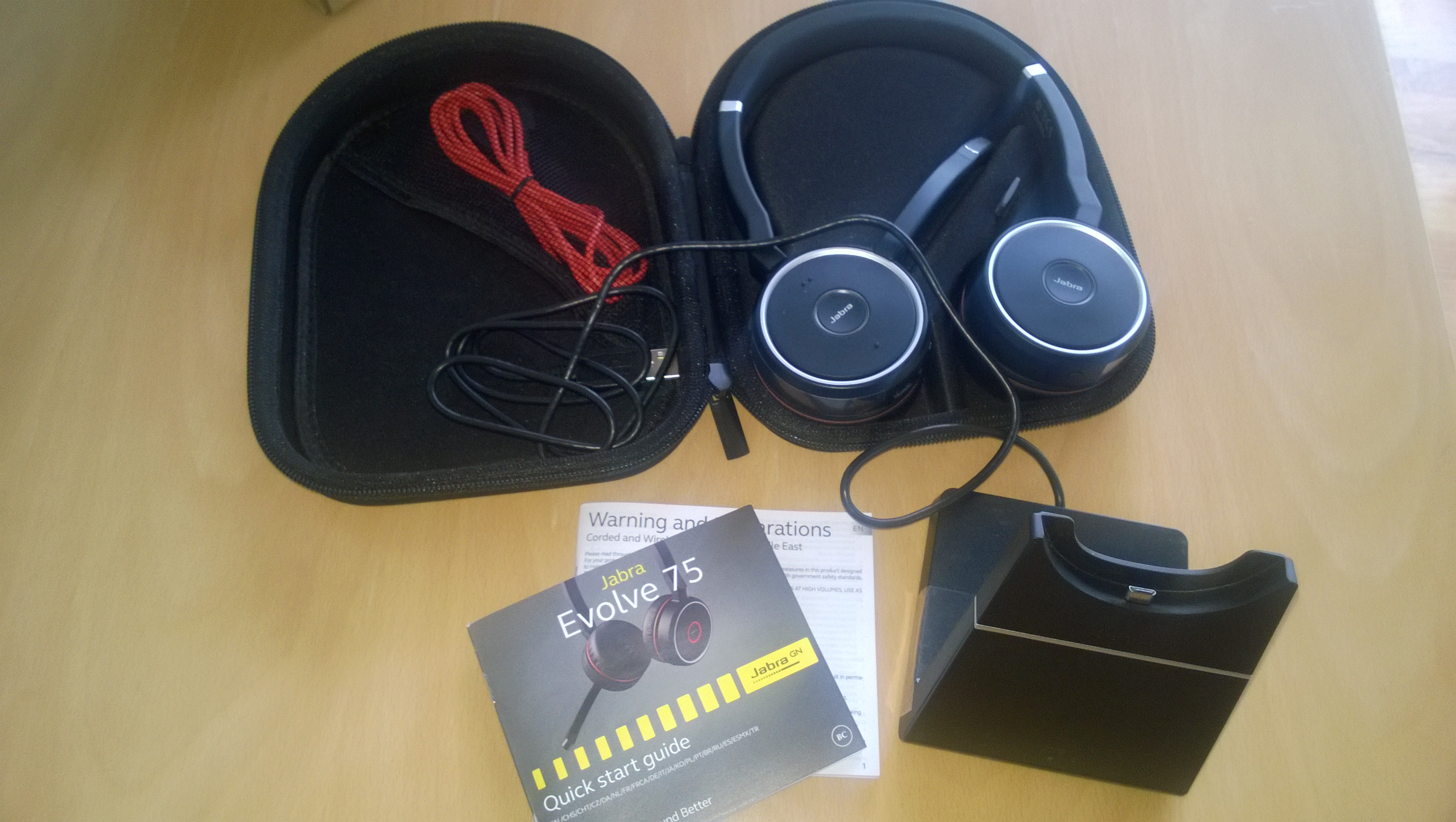 Review The Jabra Evolve 75 Headphones And Stand Jabra Jabraevolve75 Office Techbuzzireland