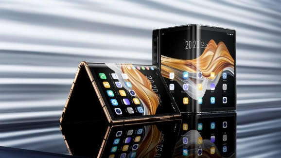 Royole's FlexPai 2 5G foldable phone costs under $1,500